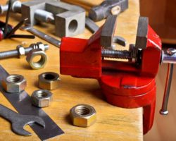 Mounting a Bench Vise: How to Do It?